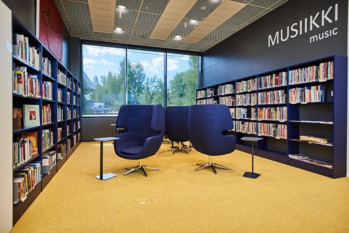 Kirjaston musiikkiosasto Nokialla.