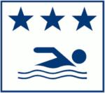 Kuvassa on kolme tähteä, mikä osoittaa, että uimarannan kunto on hyvä. Kuvassa näkyy myös tyylitelty uimarin kuva.